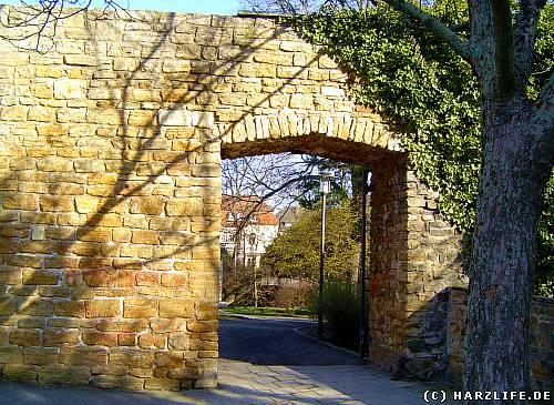 Durchgang in der Stadtmauer nahe der Neuwerkkirche